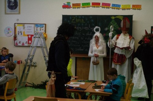 Naši školu navštívil Mikuláš