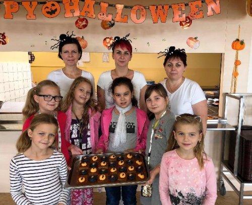 Halloween ve školní jídelně